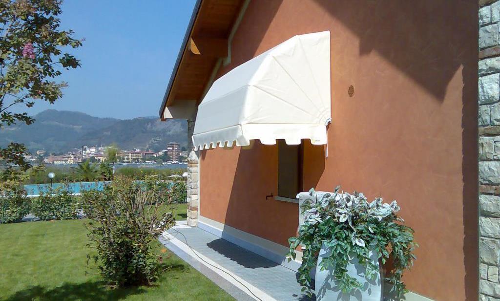 store exterieur balcon top store exterieur de fenetre manuel store de balcon amovible with. Black Bedroom Furniture Sets. Home Design Ideas